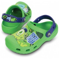 http://media.streetmarket.cz/static/stockitem/data13660/thumbs/14805-38m_pair_cc_monsters_clog_neon_green_cerulean_blue_1.jpg