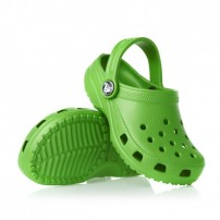 http://media.streetmarket.cz/static/stockitem/data16733/thumbs/crocs-sandals-crocs-classic-sandals-lime.jpg