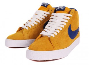 http://media.streetmarket.cz/static/stockitem/data7653/medium/nike_sb_blazer_gold_leaf_insigna_blue_ex_2.jpg